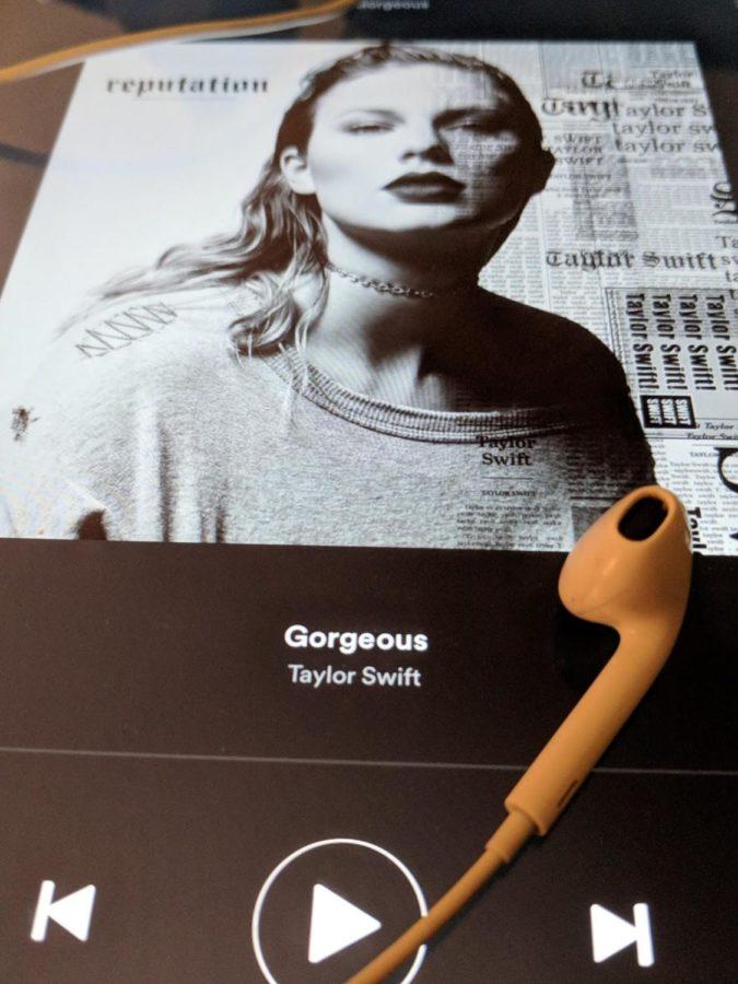 Taylor swifts new gorgeous bop blueprint taylor swifts new gorgeous bop malvernweather Gallery