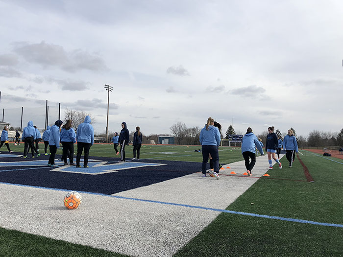 Girls' soccer kicks their way into the 2018 season
