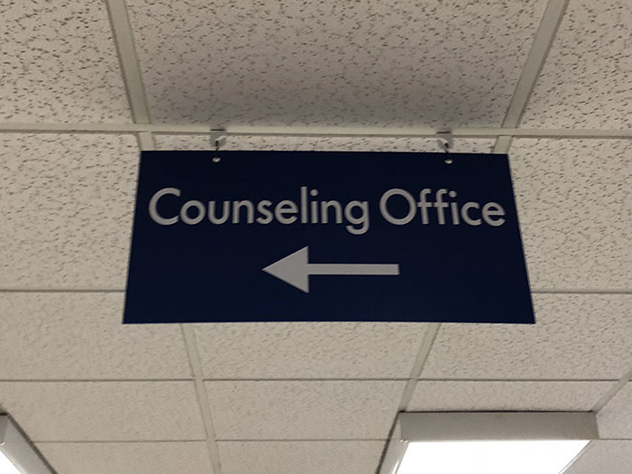 Sign+for+the+Counseling+Office.