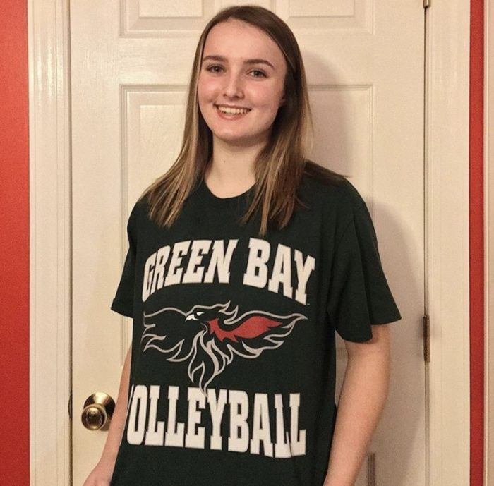 As+of+Dec.+16%2C+junior+Addy+Karmik+has+committed+to+play+division+I+volleyball+at+the+University+of+Wisconsin+Green+Bay.