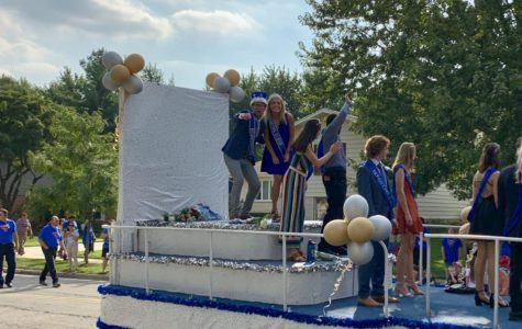 Community marches in annual homecoming parade