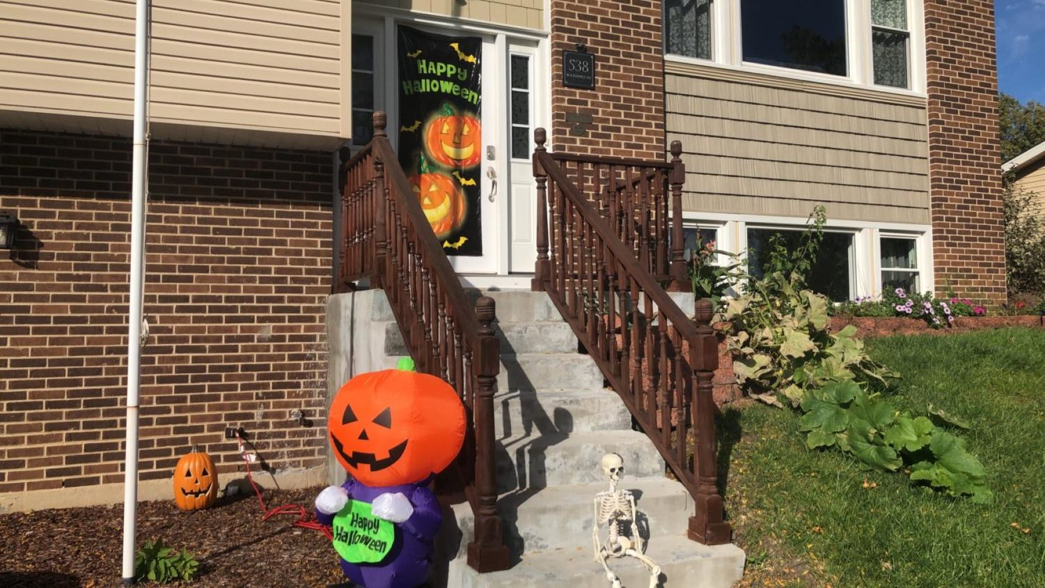 Houses already beginning to set up their Halloween decorations.