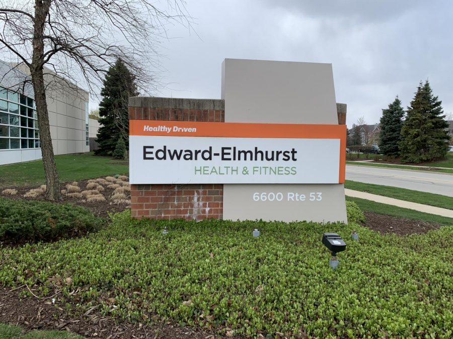 Edwards+hospital+has+a+health+center+in+Woodridge.+This+is+where+I+teach+swim+lessons+at.