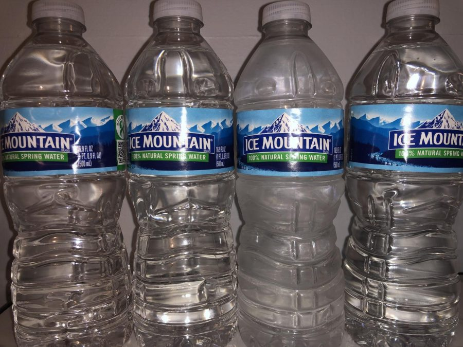 Are+you+Ice+Mountain%3F+Nestle+Pure+Life%3F+Find+out+which+water+bottle+brand+you+are+with+this+quiz.